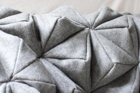 bloom blanket close up